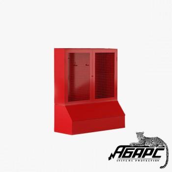 Стенд пожарный закрытый за сеткой с ящиком для песка 0,3 куб без комплекта